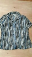 Women's Blue Tan Geometric Short Sleeve Buttoned Crinkle Pleat Top Size XL