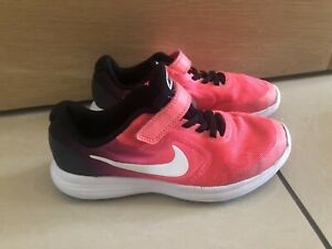 Girls Nike VH2 Trainers Pink Size 2 Running
