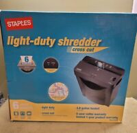 Staples Paper Shredder Paper and Credit Card Cross-Cut Full Security Shredder ☆