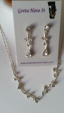 SPECIAL OCCASION & BRIDAL SILVER PLATED AUSTRIAN CRYSTAL NECKLACE & EARRING SET