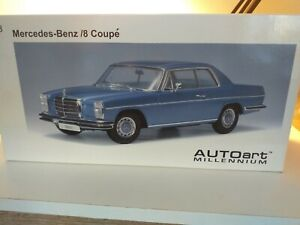 Autoart Mercedes- Benz /8 Coupe 280c  W114