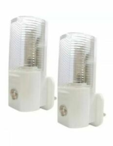AUTOMATIC ON/OFF LED PLUG IN NIGHT LIGHT LOW ENERGY SAFETY NIGHT LIGHTS NEW GIFT