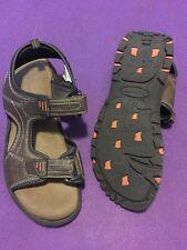 Men's 9M Gotcha  Brown Sandals Memory Foam & Velcro fastening