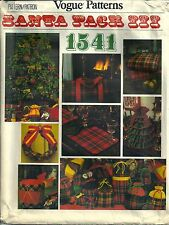 Vogue Patterns 1541 Santa Pack III Wreath Tree Pillow Holiday Home Decor  Uncut
