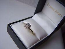 SUPERB SOLID 18CT GOLD 0.10 CARAT DIAMOND CLUSTER ENGAGEMENT DRESS RING SIZE J
