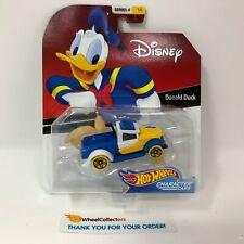 Donald Duck * 2019 Hot Wheels DISNEY Pixar Character Cars Case C * Series 4