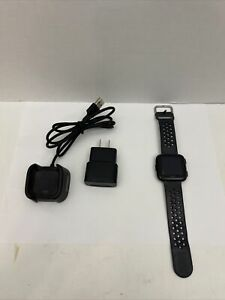Fitbit Versa Smartwatch, Large - Black PARTS ONLY NEEDS DISPLAY* (B6)