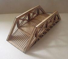 Puente de hierro edificio comercial terreno paisaje Warhammer 40k escenografia de dispersión