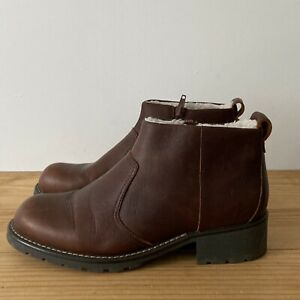 Clarks boots size 4 brown leather fleece lined ankle zip flat