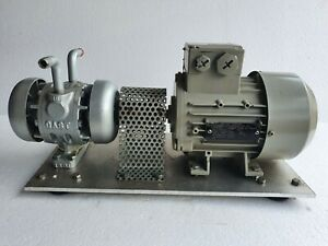 GAST 0440-V105A Rotary Vane Vacuum Pump with 3 Phase 0.35 Hp Motor # New
