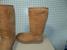 Womens Minnetonka winter boots - brown - size 8 - #8631