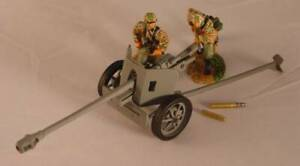 Conte Collectibles  WWII032 World War 2 Pak 40 and SS Crew 2 Figures Gun & Acc.