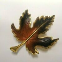 ENAMEL LEAF BROOCH LAPEL PIN W/GOLD TONE METAL ACCENT BROWN BLACK AUTUMN FALL