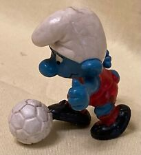 Smurf - Footballer - 20035 - Red shirt and shorts