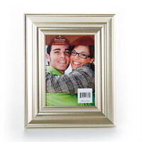 """Brushed Light Gold Frame for 5x7"""" Photo w Table Stand and Wall Hang Brand New"""
