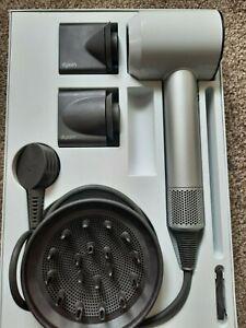 Dyson Supersonic Hair Dryer white 0.99 starting bid