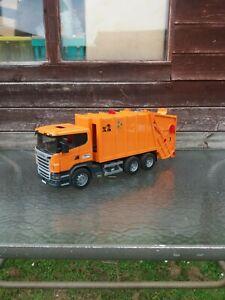 Bruder Scania R-Series Orange Garbage Truck Bin Lorry recycling 1:16