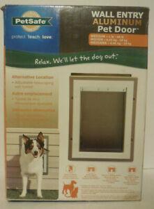 PetSafe Medium Wall Entry Pet Dog Door Closing Panel Expandable aluminum Ope Box
