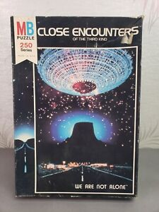 1977 Close Encounters Of The Third Kind We Are Not Alone 260 Pc Puzzle COMPLETE