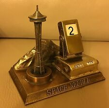 Vintage 1960s Seattle Space Needle Mt Rainier Perpetual Calendar Office Desk
