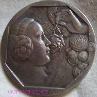 MED10198 - MEDAILLE ART DECO FEMME A LA ROSE par GRÜN