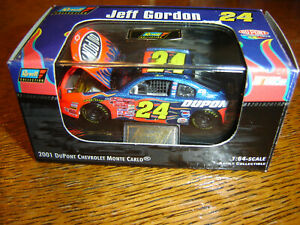 Jeff Gordon #24 DUPONT FLAMES 2001 1/64 Revell Hood Open W/Acrylic Case  NEW