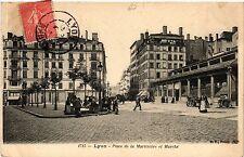 CPA Lyon-Place de la Martiniére et Marché (426678)