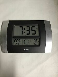 Timex Model 75324 Large Digital Display Time Temperature Calendar Date Clock. L3