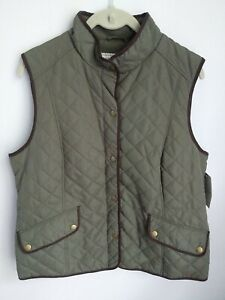 New Women's GH Bass Quilted Olive Green Snap Front Grape Leaf Vest Size Large