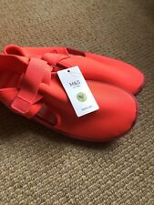 M&S Beach Shoes Water Quick Dry Ladies Girls Size 6 Pool Shoes