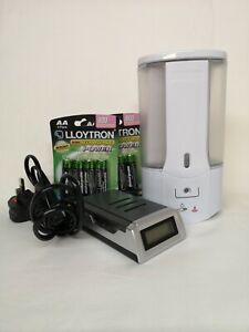Sanitiser/Soap Dispenser 450 ml with 8 Rechargeable Batteries and Charging Unit