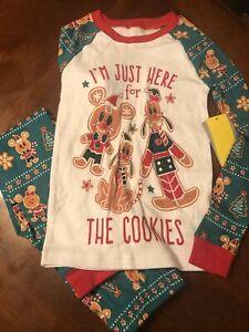 Disney Store Christmas Holiday Pajamas Size 7