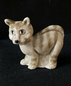 Wade Prototype - Beige Standing Cat Whimsie (Comical Whimsies Set - 2004)