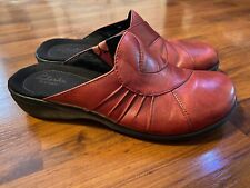 Womens Size 8 Clarks Artisan Red Mules Clogs Leather