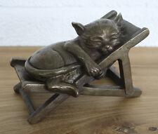 Bronzeskulptur, Katze in einer Liege schlafend, Dekoration für Haus und Garten *