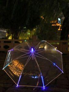 LED-Regenschirm Transparent, buntes Leuchtlicht, eingearbeitete Taschenlampe
