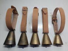 Campane numerate con collare in cuoio per ovini,caprini,equini e bovini
