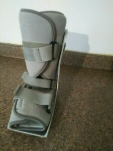 BREG MEDICAL FOOT LEG BRACE SUPPORT WALKING BOOT SIZE SMALL Height 11""
