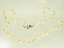 Schöne lange Zuchtperlen Kette  mit  585  Weißgoldschloss mit 6 Saphiren 85 cm