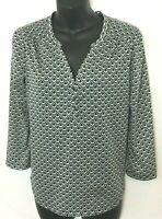 H&M Womens Grey, Black and White Geometric Print Shirt! 3/4 Length Sleeve. Sz. S