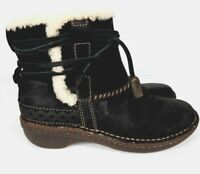 UGG Australia Cove Women's Black Leather Sheepskin Winter Boots #5136 - Size 6