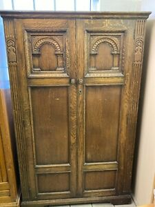 CARVED  ARTS & CRAFTS OAK 2 DOOR   FITTED HALL WARDROBE