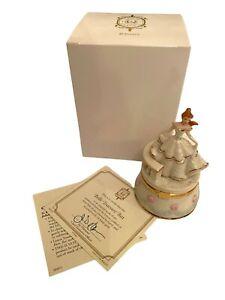 LENOX Porcelain Hinged Box  - Belle Treasure Box