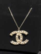 NIB New CHANEL CC Simple Elegant Faux Pearl Pendent Charm 4 Ways Gold Necklace