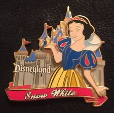 Disney Pin ~ Princess Castle Series ~ Snow White ~ 2002 ~ Disneyland~pin on pin