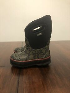 Bogs Snow Boots -30F Toddler Infant Size 7 SKull's