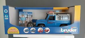 Land Rover Defender Police Car & Figure - Bruder 02597 Scale 1:16 NEW Damaged