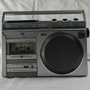 Vintage General Electric GE 3-5246A AM/FM Radio Cassette Tape Recorder Boombox