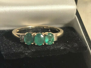 9ct gold Fully Hallmarked Real Emerald Trilogy & Baguette Diamond Ring Size V