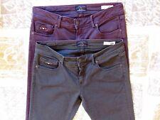 Stock n. 2 jeans donna Benetton, taglia 31, grigio scuro e viola scuro.
